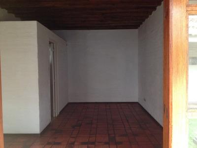 Venta. Locales Excelentes 1 Y 2 Plantas. Centro De Maldonado