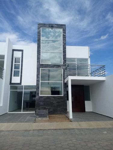 Preventa De Hermosas Casas En Zona San Diego