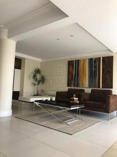 Apartamento A Venda No Bairro Trindade Em Florianopolis - V-79227
