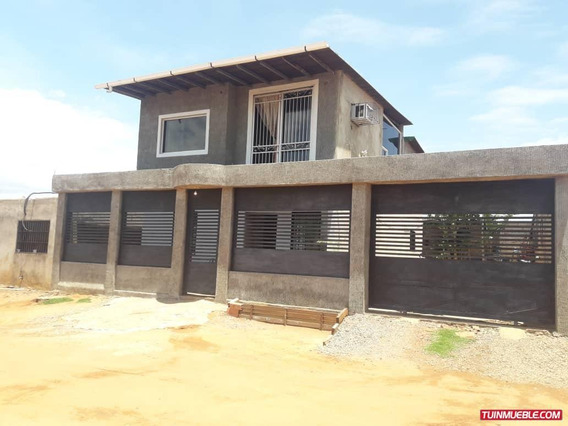 Family House Guayana - Townhouses Anays