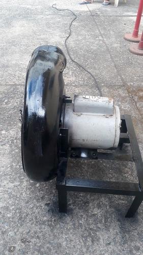 Imagem 1 de 4 de Máquina De Encher Brinquedos Infláveis