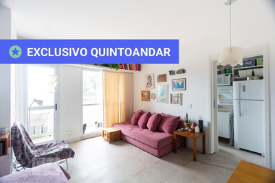 Studio No 1º Andar Mobiliado Com 1 Dormitório E 1 Garagem - Id: 892876418 - 176418