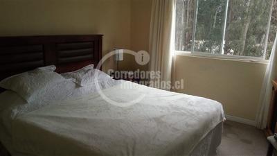 Departamento En Arriendo De 3 Dormitorios En Santo Domingo