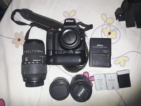 Nikon D5300 + 18-55mm + 70-300mm + Grip + 2 Baterias