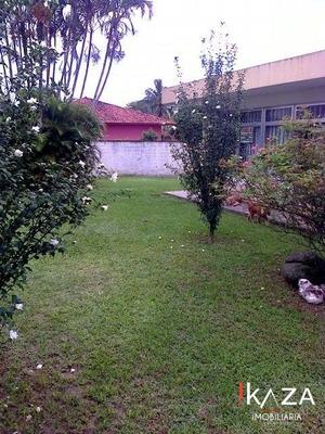 Casa - 3 Dormitórios - São José - 2071