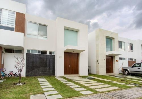 Casa Amueblada En Renta En Parque Provenza En Lomas De Angelópolis, Ubicada A Un