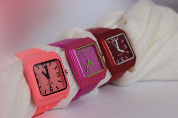 Relógio Quartz Bisel Quadrado