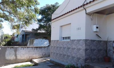 Casa 2 Dormitorios Y Demas Comod. Con Cochera, Hay Facilidad