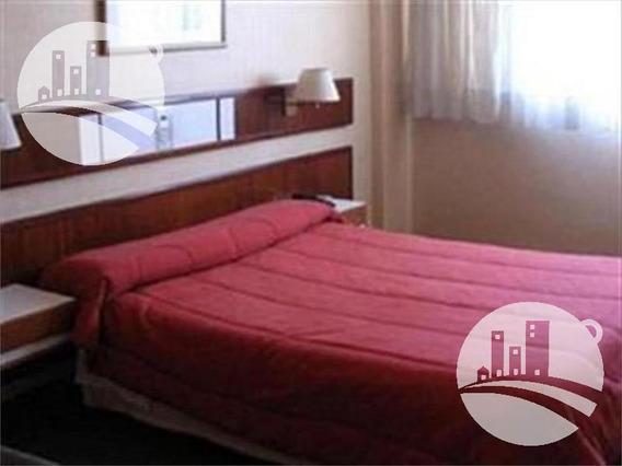 Hotel 84 Hab.