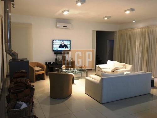 Hermosa Casa Estilo Minimalista Con Piscina Y Muy Buen Parque-ref:25938