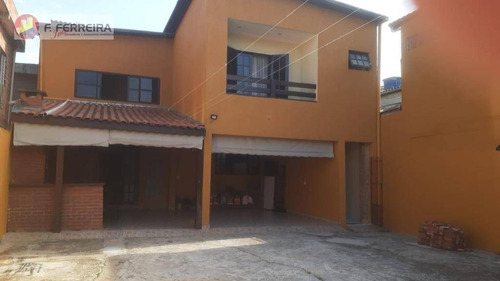 Sobrado Com 4 Suítes, Churrasqueira, 3 Salas E Quintal Grande. Aceita Financiamento - So0217