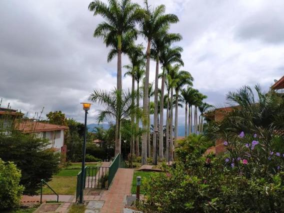 Townhouse En El Hatillo #20-2927