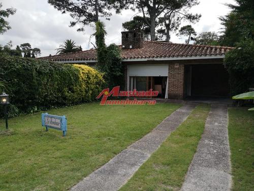 Casa En Zona Cantegril Ideal Para Vivir Todo El Año- Ref: 6343