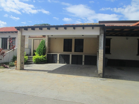 Casa En Venta, Araure, 04145753170 Cod. 20-2569