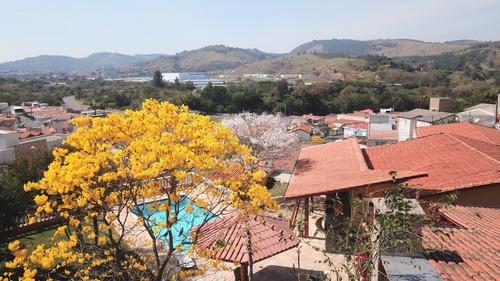 Chácara Com Ótima Localização Em Amparo-sp (4 Suítes)
