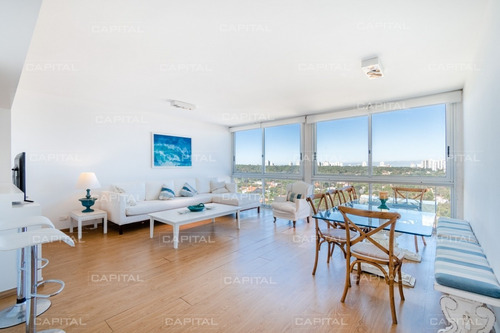 Apartamento En Venta Playa Mansa Reciclado En Venta Cuatro Dormitorios- Ref: 30893