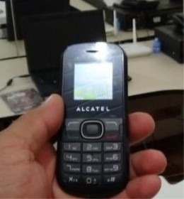 Celular Alcatel 2 Chips Fm