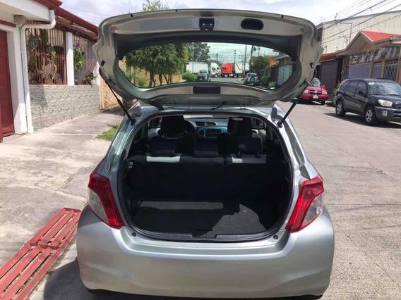 Toyota Yaris Hatchback 4 Puertas