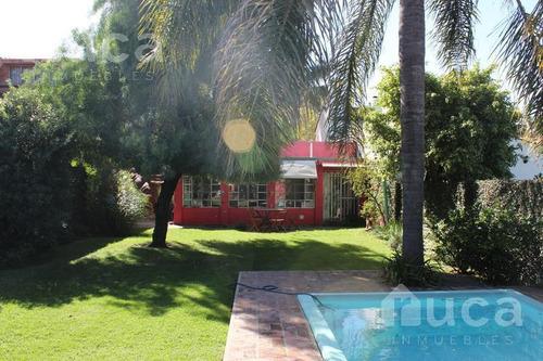 Chalet De 3 Dormitorios, Pileta Y Quincho Con Jardín.  jose Figueroa Alcorta Al 300 - Boulogne