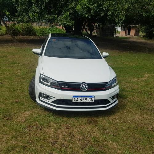 Imagen 1 de 9 de Volkswagen Vento 2.0 Tsi Gli 211cv App Connect + Nav 2016