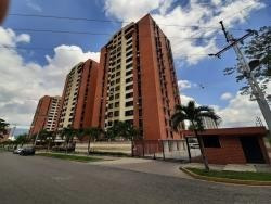 Apartamento En Alquiler Urb Palma Real 398121 Jla