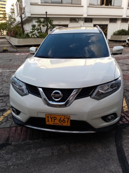 Nissan X-trail Exclusive 4x4 Refull - Espectacular