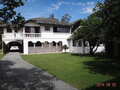 Arriendo Hermosa Casa Cumbaya