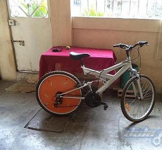 Bicicleta De Acero Con Aros Y Manubrio De Aluminio