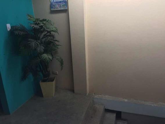 Departamento Cuenta Con 1 Dormitorio 1 Baño Y Amplia Sala