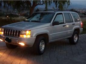 Jeep Grand Cherokee Laredo L6 4x2 4.0