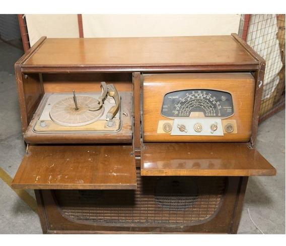 Toca Disco Combinado Con Radio Balbular De Madera Muy Bueno