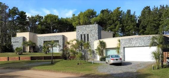 Venta Casa 5 Ambientes Pinamar Dependencia Cochera Pool Bowling Parque Cine Loza Radiante