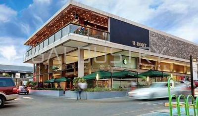 ¡alucinante Local En Renta En Exclusiva Plaza Aaa En Querétaro - Jurica!