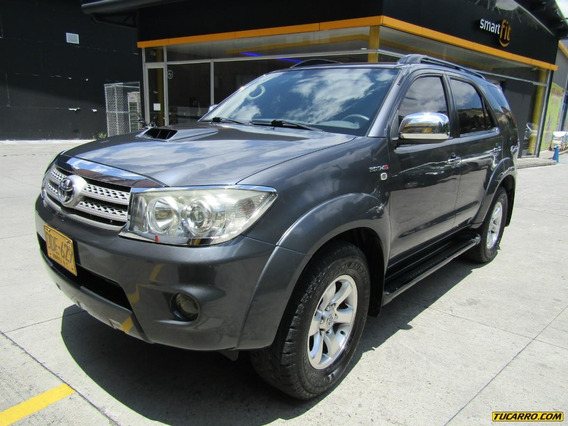 Toyota Fortuner Srv At 3000 4x4