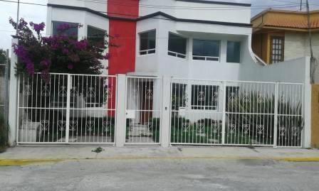 Casa En Pachuca Hidalgo, En Fraccionamiento, Muy Bien Ubicada