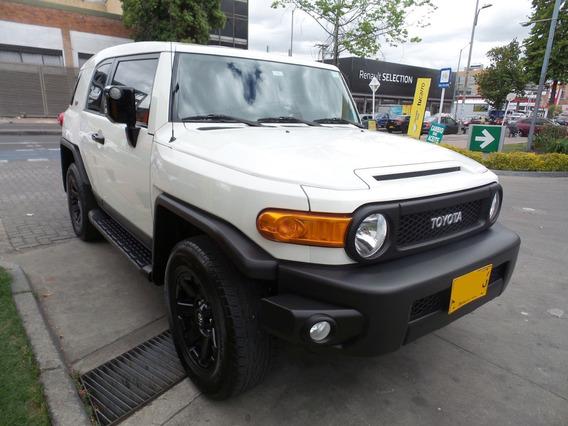 Toyota Fj Cruiser Black & White