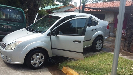 Ford Fiesta Max Ambiente Plus 1.6