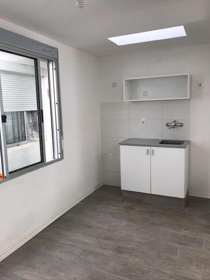 Imperdible Apartamento! En Zona Reducto De 2 Dormitorios!!!