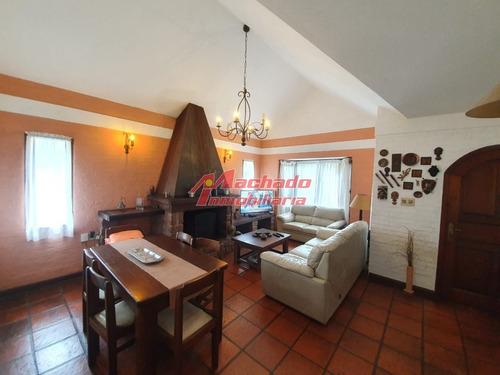Casa En Venta, Pinares, Punta Del Este- Ref: 6275