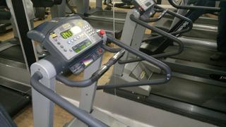 Esteira Ergométrica Profissional Technogym Run600xtpro