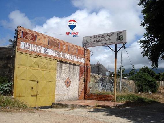 Amplio Local Comercial Entrando A Porlamar, Dist. Conejeros