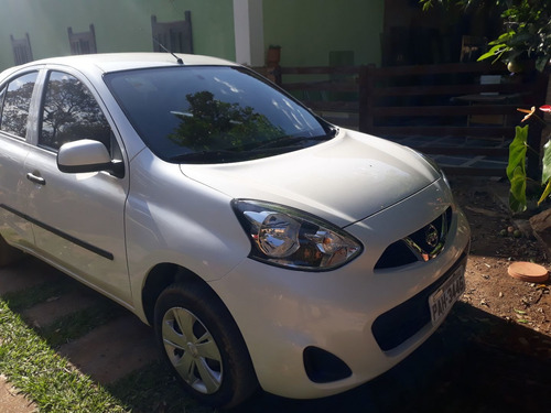 Nissan March 2015 1.0 S 5p