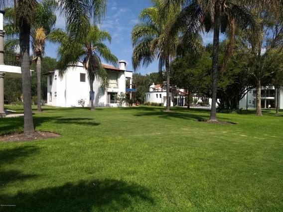Casa En Renta En Balvanera Polo Y Country Club, Corregidora, Rah-mx-21-17