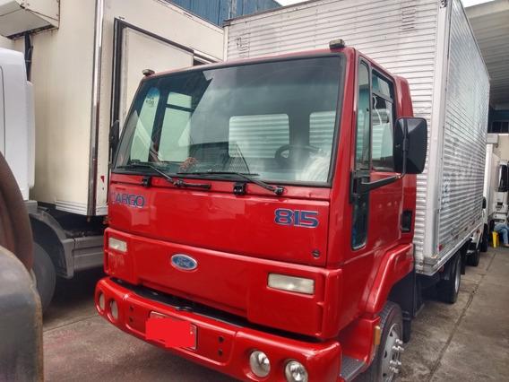 Caminhão 3/4 Ford Cargo 815 Baú