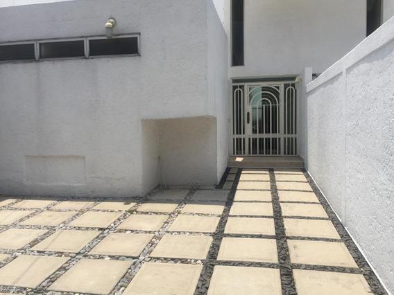 Casa En Renta En Circuito Navegantes, Ciudad Satélite