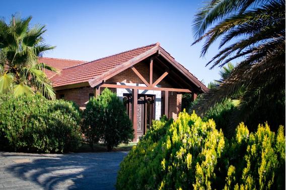 Hermosa Casa En La Tahona