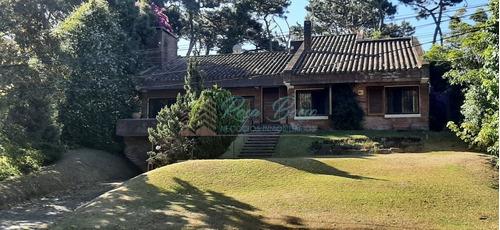 Hermosa Casa- Ref: 6411