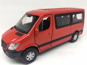 Miniatura Mercedes - Benz Sprinter Traveliner Vermelha