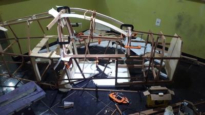 Construção De Fuselagem De Ultraleve De Madeira E Peças