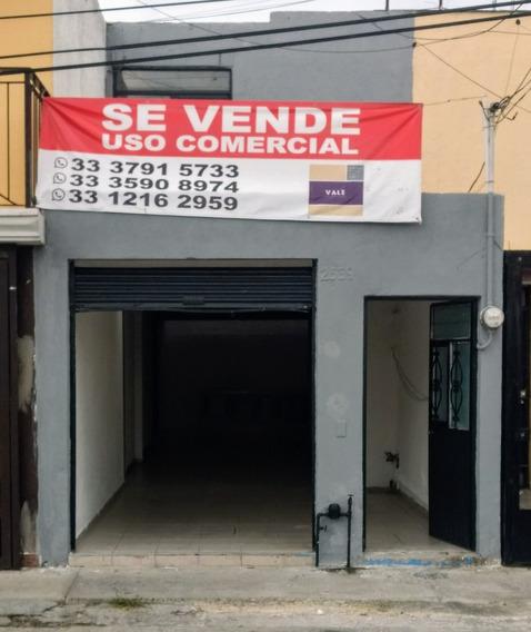 Exelente Casa Modificada Para Local Comercial